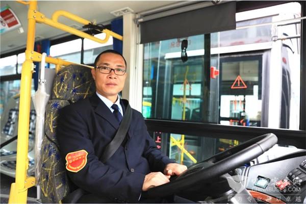 上海闵行客运孙晓峰:人人互相帮一把 让社会更加和谐