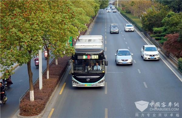 高端科技范儿 !苏州金龙智能网联公交蔚蓝Azure批量上线