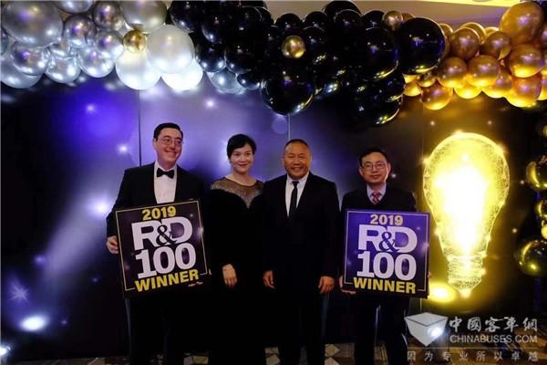 """喜讯!微宏荣获""""R&D100 Award""""研发创新大奖"""