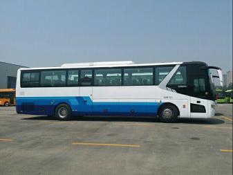 22-55座金龙,中通,宇通青年客车,大巴车考斯特租赁优惠中