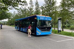 L4级自动驾驶智慧公交车在青岛上路测试!谁家车?
