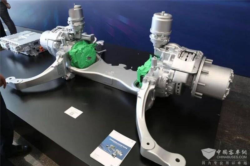 B12D匹配全新一代EQ13B轮边驱动桥,结构紧凑。单个驱动电机峰值功率150kW,最大扭矩550N.m。