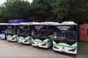 长沙新型比亚迪智能公交车尾自带红绿灯:防视线受阻
