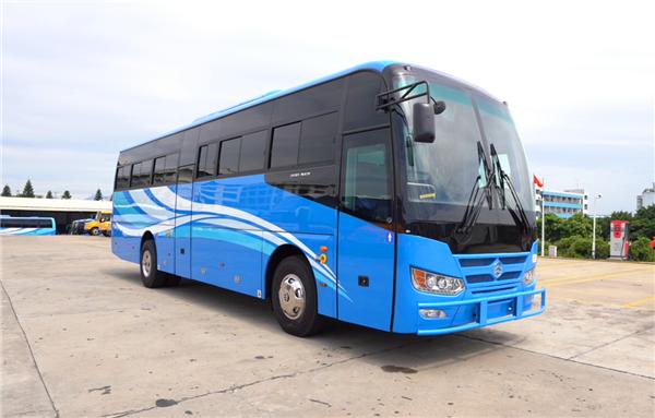 填补当地校车市场空白!120台金旅校车装船赴加纳