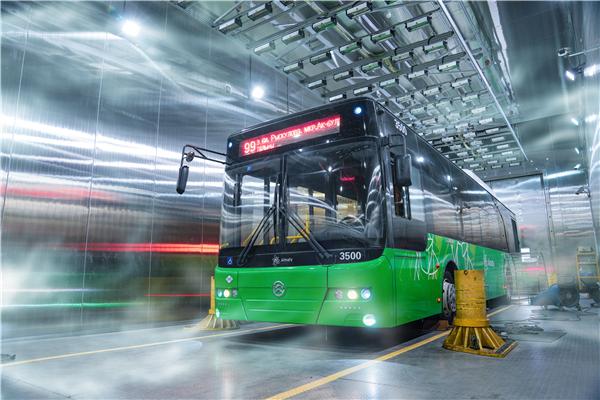 中国客车出口再迎利好!150台金旅12米BRT交付哈萨克斯坦