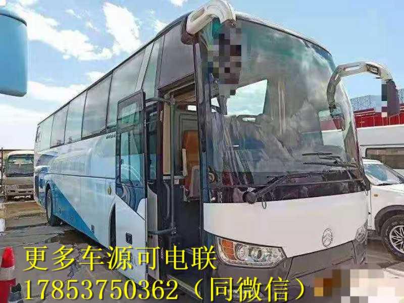 金旅6113型 15年7月 53座 非营运 车况好 优惠价格