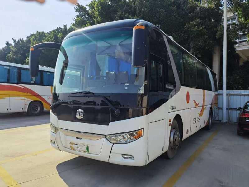 2017年11月 44座非营运新能源纯电动气囊中门中通客车