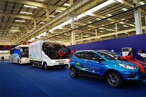 """打造低碳运营示范""""样板""""28辆比亚迪新能源车发运老挝万象"""