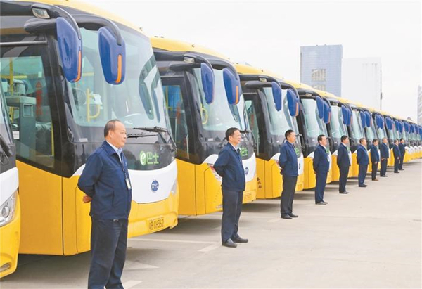 """深圳东部公交:打造""""心""""服务品牌战略"""