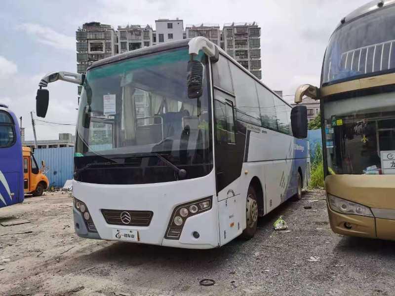 2012年4月 47座非营运性价比超高金旅6103型客车