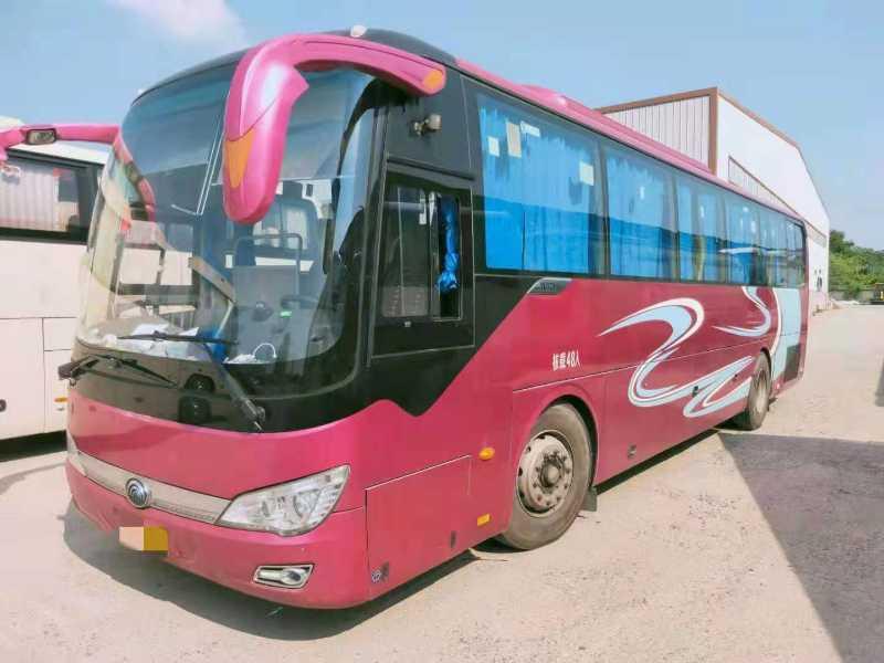 2016年9月 出两台48座气囊中门宇通6116型客车