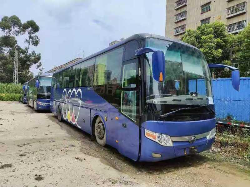 2012年8月 同款多台49座气囊中门碟刹宇通6117型客车