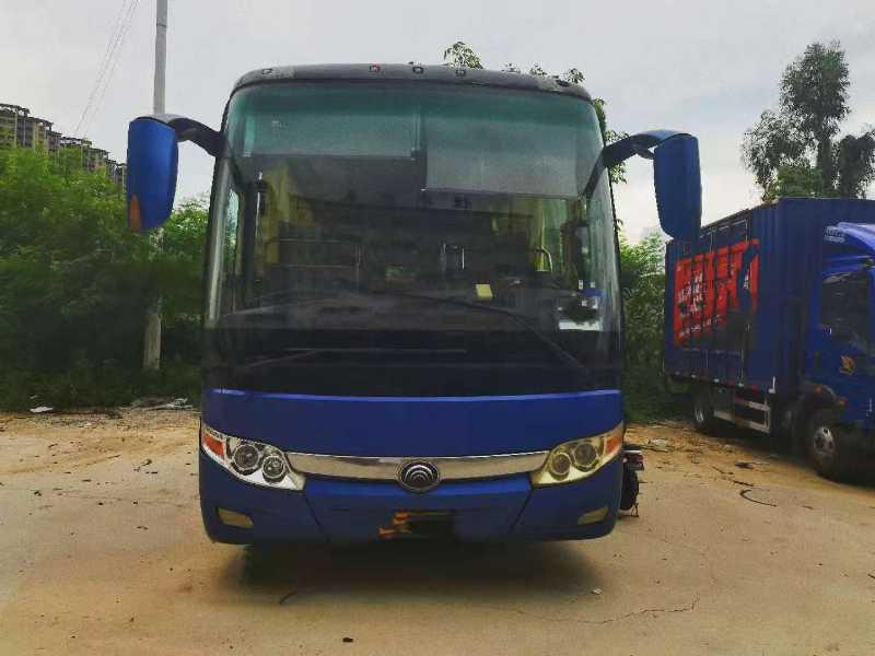 2011年9月 同款多台49座气囊中门碟刹宇通6117型客车