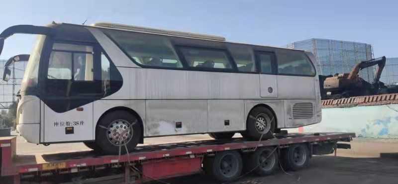 全新青年客车JNP6900V 38座玉柴发动机、国5客车无牌超低价处理