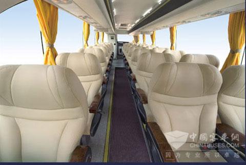 亚星客车新品采用磁悬浮技术VIP型降噪内饰