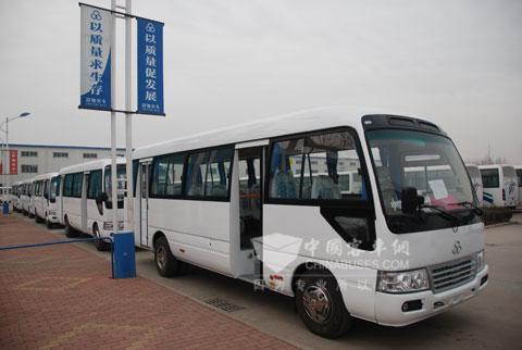 13台前置考斯特车型YTK6760A