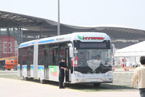 宇通18米双模混合动力公交车(电容电池)