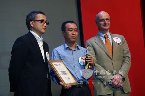 宇通客车荣获2010世界客车联盟年度最佳客车制造商