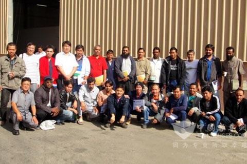大金龙沙特服务团队与当地售后工作配合人员合影