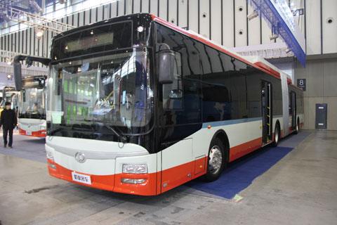 蜀都客车CDK6182CHR型城市铰接客车