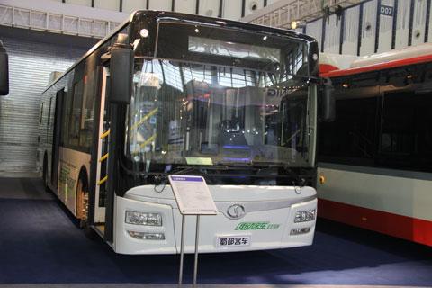 蜀都牌CDK6122CSHEV型混合动力城市客车