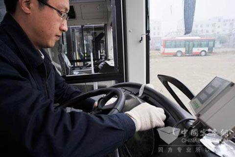 成都造LNG公交车将驶上街头