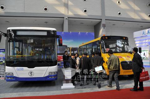 陕汽欧舒特客车亮相2012年曲江会展