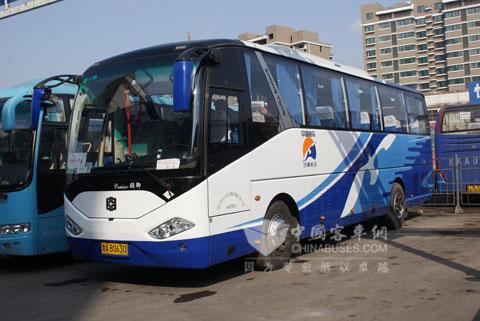 运行在济南-曹县的中通lng客车