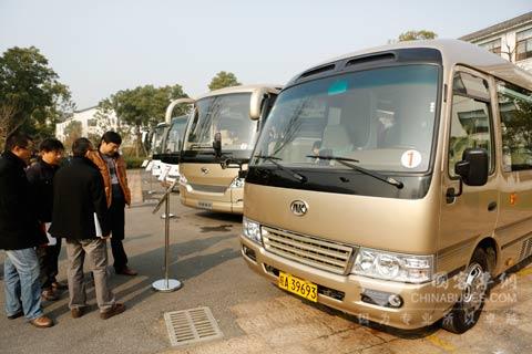 安徽友谊外事旅游汽车有限公司总经理潘平锋也谈到,随着安徽