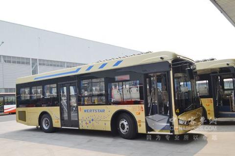 亞星新型旅游公交車將在江蘇揚州上路高清圖片