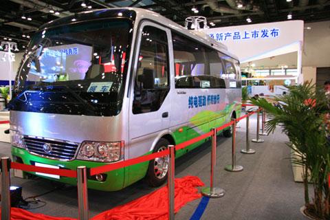 宇通E7纯电动客车-宇通五款产品撞击客车新价值