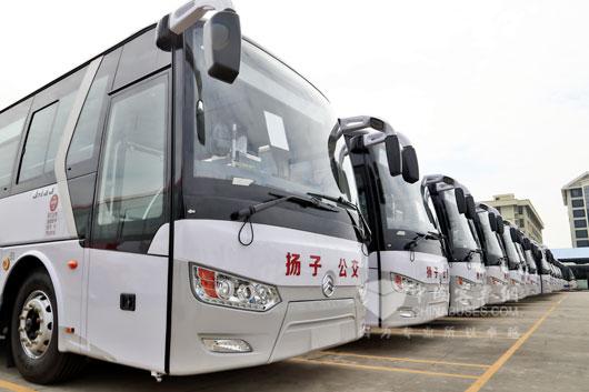 金旅12米LNG凯歌公交