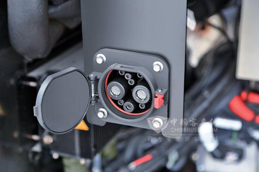 金旅插电式混合动力充电接口