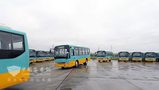 首批150台东风莲花城市客车交付苏丹客户