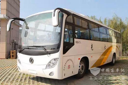 武汉通勤公司采购的6辆东风客车