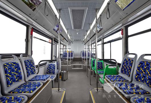 华晨LNG公交车,开创城市交通绿色未来高清图片