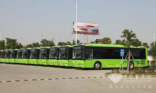 新能源公交车为   宇通   大型中级新能源油电混合动力公高清图片