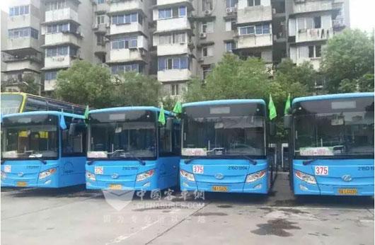 南京金龙纯电动客车服务武汉园博会