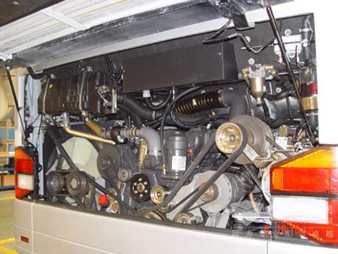 安凯发动机仓的主被动安全技术