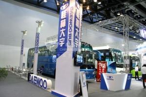 桂林大宇客车2011道路运输展上引人注目