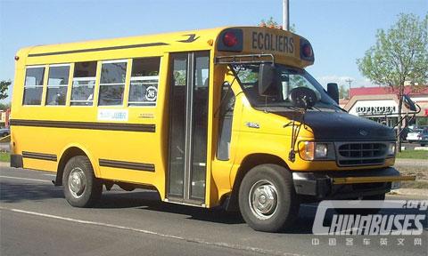 蓝鸟 MB-II/MB-IV 型校车
