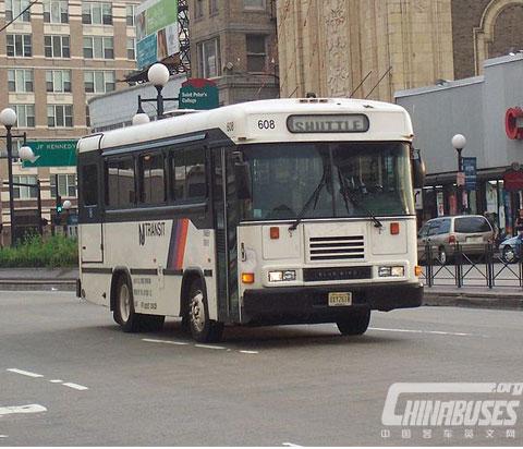 蓝鸟 CS 公共巴士
