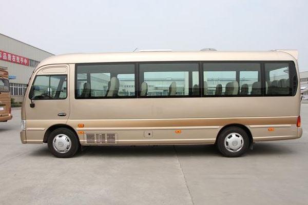 康恩迪CHM6700LQDM客车-侧面图