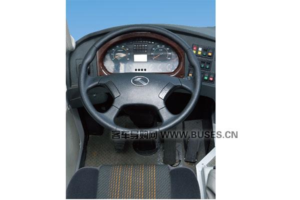 金龙XMQ5110XLH教练车驾驶室