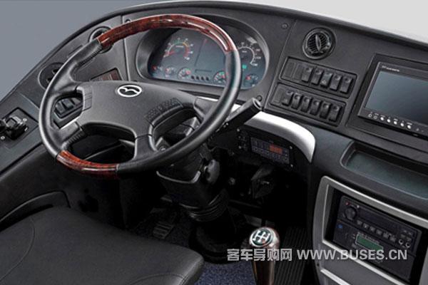 五洲龙FDG6110EC3客车(柴油国四28-51座)