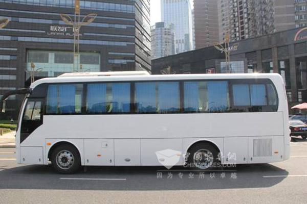 百路佳JXK6901CQ55N客车(天然气国五18-35座)
