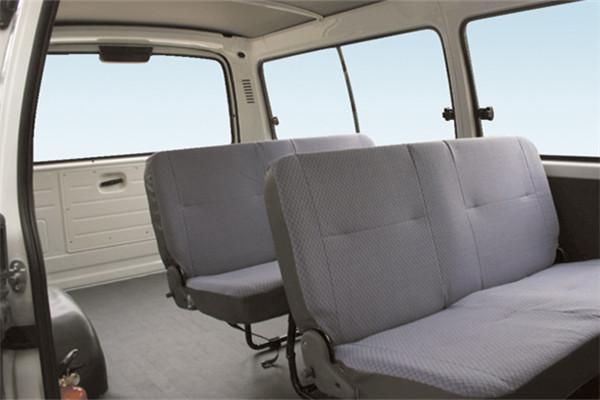 金旅XML6532J58N小型客车