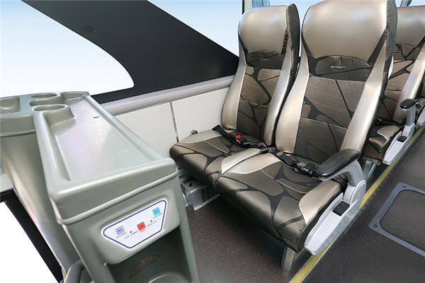 金龙XMQ6129HYBEVL客车(纯电动24-69座)