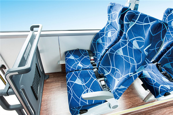 金龙XMQ6112AYD4C客车(柴油国四24-53座)
