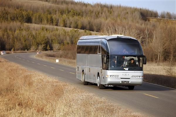 青年JNP6127LBEV客车(纯电动24-57座)